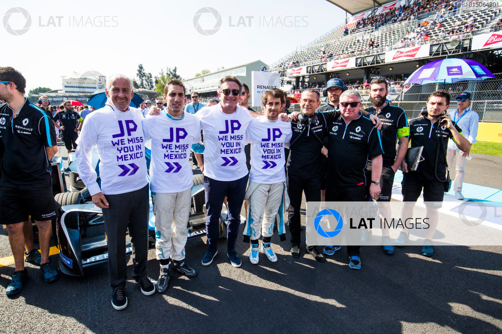 2017/2018 FIA Formula E Championship. Round 5 - Mexico City ePrix. Autodromo Hermanos Rodriguez, Mexico City, Mexico. Saturday 3 March 2018. Alejandro Agag, CEO, Formula E & Sebastien Buemi (SUI), Renault e.Dams, Renault Z.E 17, show their support for Jean-Paul Driot Photo: Sam Bloxham/LAT/Formula E ref: Digital Image _W6I3146