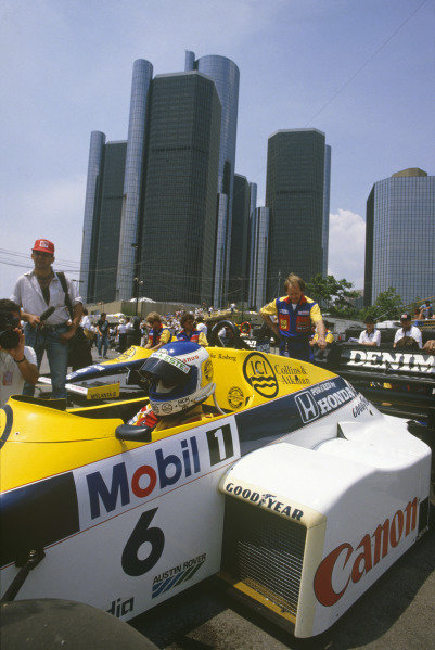 Detroit, Michigan, USA. 21-23 June 1985. Keke Rosberg (Williams FW10 Honda) 1st position. Ref: 85 USA 04. World Copyright - LAT Photographic