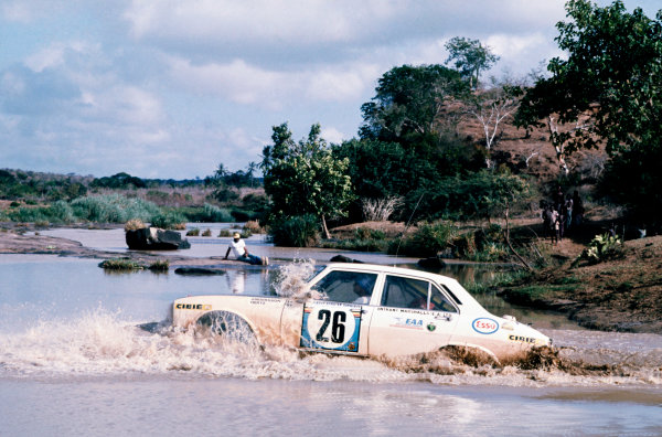 Safari Rally, Nairobi, Kenya.  27th - 31st March 1975.Ove Andersson/Arne Hertz (Peugeot 504), 1st position, action.World Copyright: LAT Photographic.Ref: Colour Transparency 75RALLY03.