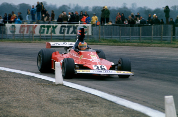 Silverstone, Great Britain. 11th April 1976. Giancarlo Martini (Ferrari 312T), 10th position, action.  World Copyright: LAT Photographic. Ref:  76 INT 12.