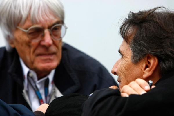 Interlagos, Sao Paulo, Brazil.16th October 2009.Bernie Ecclestone with Nelson Piquet. Portrait. World Copyright: Charles Coates/LAT Photographicref: Digital Image _26Y9507