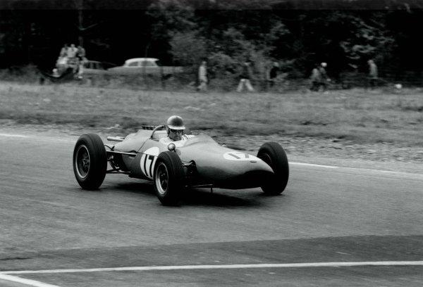 1962 United States Grand Prix.Watkins Glen, New York State, USA. 5-7 October 1962.Jack Brabham (Brabham BT3-Climax), 4th position.World Copyright: LAT PhotographicRef: Autosport b&w print