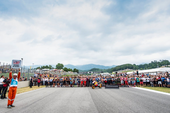 2017 MotoGP Championship - Round 6 Mugello, Italy Sunday 4 June 2017 69 seconds of silence for Nicky Hayden World Copyright: Gold & Goose Photography/LAT Images ref: Digital Image 674473