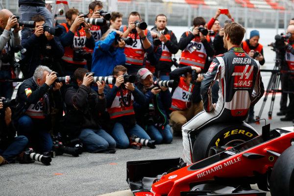 HAAS F1 Car Formula 1 Launch. Barcelona, Spain  Monday 27 February 2017. Romain Grosjean, Haas F1.  World Copyright: Dunbar/LAT Images Ref: _O3I5190