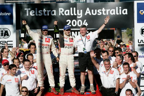 2004 FIA World Rally Champs. Round Sixteen, Rally Australia.11th - 14th November 2004.Sebastien Loeb, Citroen, podium.World Copyright: McKlein/LAT