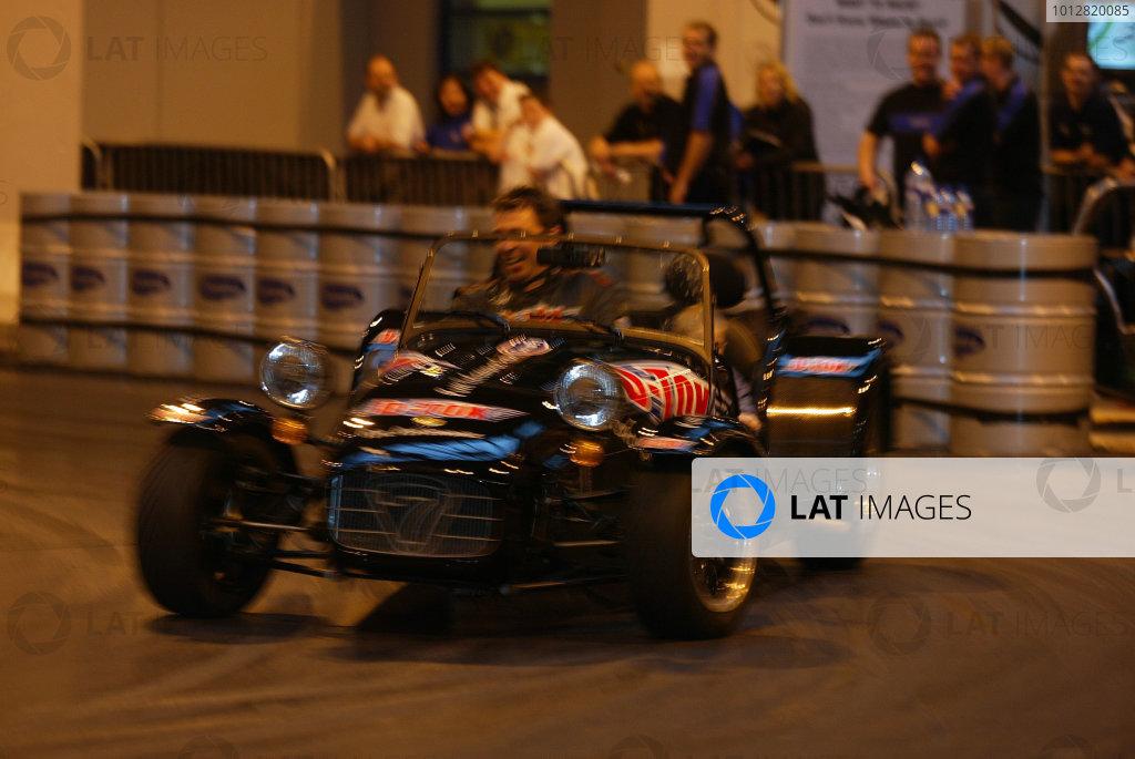 2004 Autosport International.