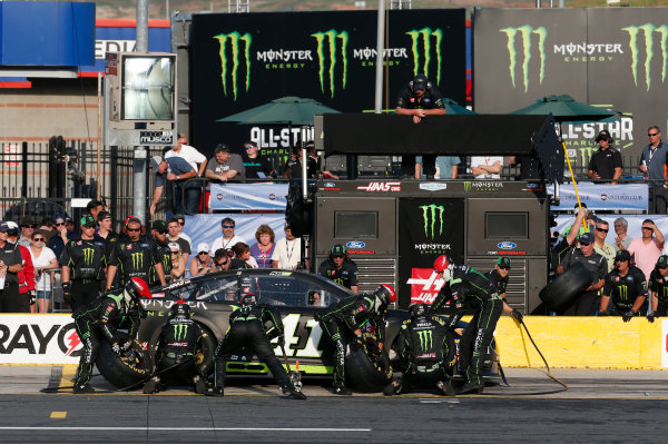 Monster Energy NASCAR Cup Series Monster Energy NASCAR All-Star Race Charlotte Motor Speedway, Concord, NC USA Friday 19 May 2017 Kurt Busch, Stewart-Haas Racing, Monster Energy Ford Fusion World Copyright: Matthew T. Thacker LAT Images ref: Digital Image 17CLT1mt1401