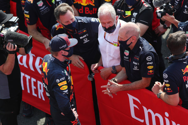 Max Verstappen, Red Bull Racing, 1st position, celebrates with Christian Horner, Team Principal, Red Bull Racing, Helmut Marko, Consultant, Red Bull Racing, Adrian Newey, Chief Technical Officer, Red Bull Racing, and the Red Bull team