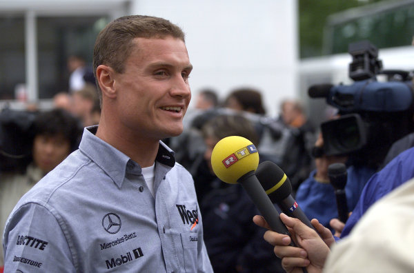 2001 San Marino Grand Prix.Imola, Italy. 13-15 April 2001.David Coulthard (McLaren Mercedes) being interviewed.World Copyright - Steve Etherington/LAT Photographicref: 17 5 mb digital image.