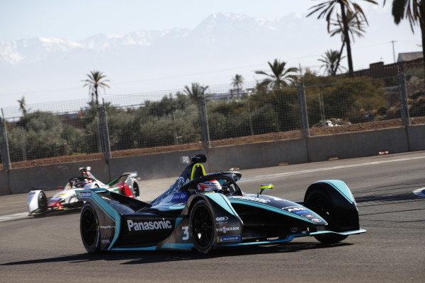 Nelson Piquet Jr. (BRA), Panasonic Jaguar Racing, Jaguar I-Type 3, leads Daniel Abt (DEU), Audi Sport ABT Schaeffler, Audi e-tron FE05
