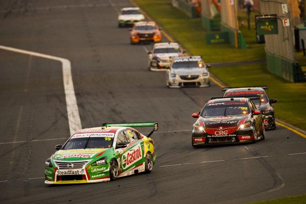 Rick Kelly, Kelly Racing, Nissan, leads Anton de Pasquale, Erebus Motorsport, Holden