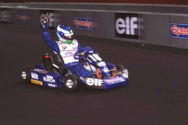 2000 Elf Masters Karting Bercy Paris, France. 10th December 2000. Besson action. World Copyright: Chris Dixon/LAT Photographic