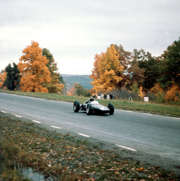 Watkins Glen, New York, USA.5-7 October 1962.Graham Hill (BRM P57) 2nd position.Ref-3/0687.World Copyright - LAT Photographic