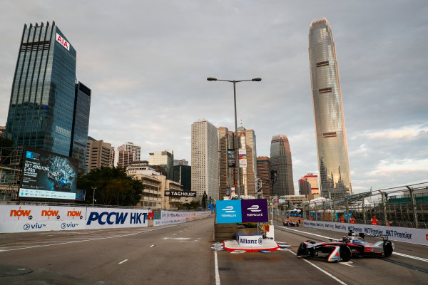 2017/2018 FIA Formula E Championship. Round 1 - Hong Kong, China. Saturday 02 December 2017. Edoardo Mortara (ITA) Venturi Formula E, Venturi VM200-FE-03. Photo: Sam Bloxham/LAT/Formula E ref: Digital Image _J6I3782