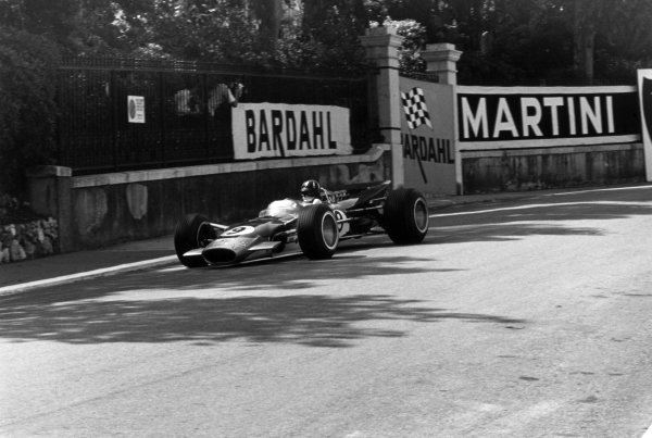 1968 Monaco Grand Prix.Monte Carlo, Monaco. 26 May 1968.Graham Hill, Lotus 49B-Ford, 1st position, action.World Copyright: LAT PhotographicRef: 2005 #20A