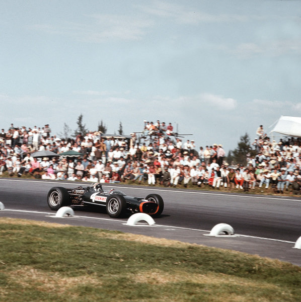 Mexico City, Mexico.21-23 October 1966.Jackie Stewart (BRM P83).Ref-3/2381.World Copyright - LAT Photographic