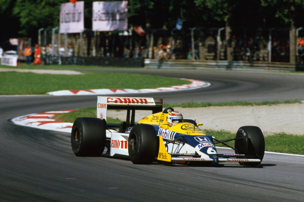 Monza, Italy.4 - 6 September 1987.Nelson Piquet (Williams FW11B Honda) 1st position, action.World Copyright: LAT PhotographicRef: 87 ITA 01