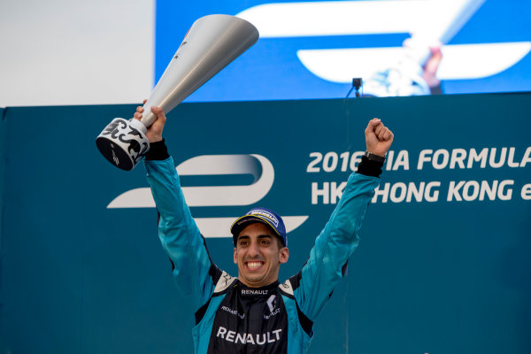 2016/2017 FIA Formula E Championship. Hong Kong ePrix, Hong Kong, China. Sunday 9 October 2016. Sebastien Buemi (SUI), Renault e.Dams, Spark-Renault, Renault Z.E 16.  Photo: Zak Mauger/LAT/Formula E ref: Digital Image _X0W2943