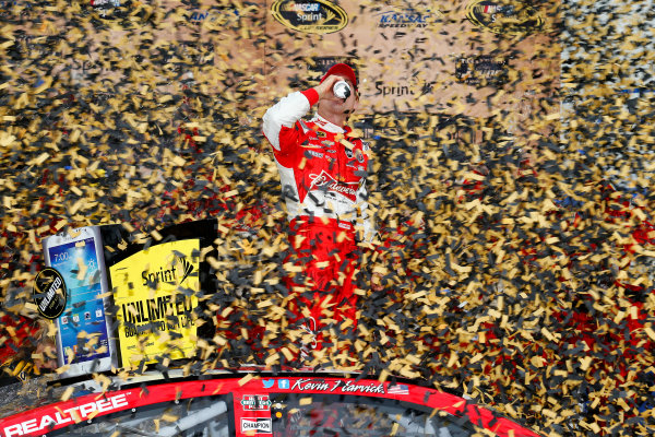 4-6 October, 2013, Kansas City, Kansas USA Kevin Harvick celebrates in victory lane ©2013, Lesley Ann Miller LAT Photo USA