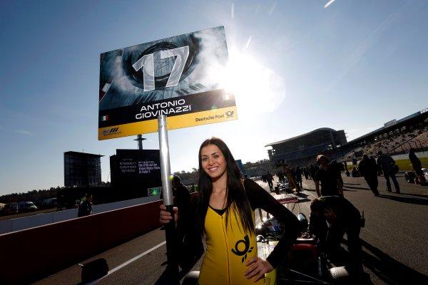 Gridgirl of Antonio Giovinazzi (ITA) DOUBLE R RACING Dallara F312 Mercedes