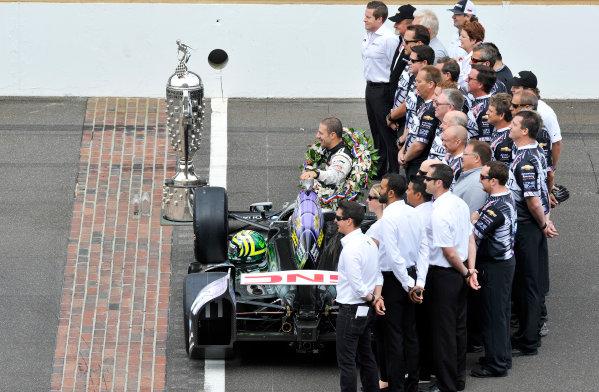 27 May, 2013, Indianapolis, Indiana, USA Winner Tony Kanaan and Team with Borg-Warner Trophy ©2013, Scott R LePage LAT Photo USA