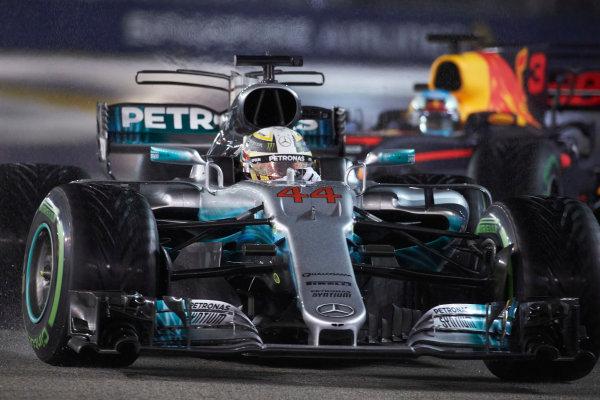 Marina Bay Circuit, Marina Bay, Singapore. Sunday 17 September 2017. Lewis Hamilton, Mercedes F1 W08 EQ Power+. World Copyright: Steve Etherington/LAT Images  ref: Digital Image SNE19005