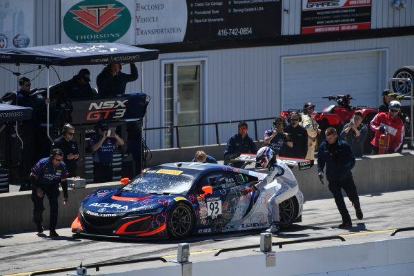 Pirelli World Challenge Victoria Day SpeedFest Weekend Canadian Tire Motorsport Park, Mosport, ON CAN Saturday 20 May 2017 Peter Kox/ Mark Wilkins pit stop World Copyright: Richard Dole/LAT Images ref: Digital Image RD_CTMP_PWC17093