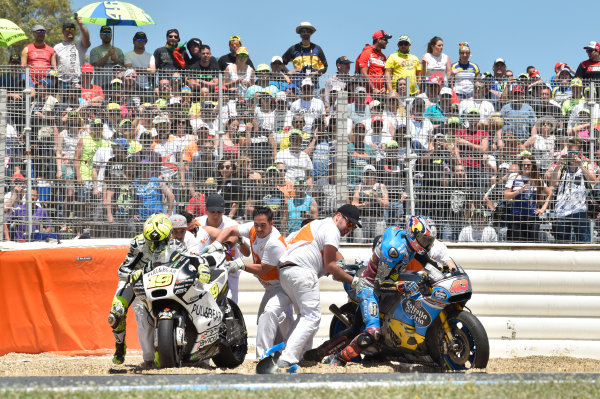 2017 MotoGP Championship - Round 4 Jerez, Spain Sunday 7 May 2017 Jack Miller, Estrella Galicia 0,0 Marc VDS, Alvaro Bautista, Aspar Racing Team crash World Copyright: Gold & Goose Photography/LAT Images ref: Digital Image 16044