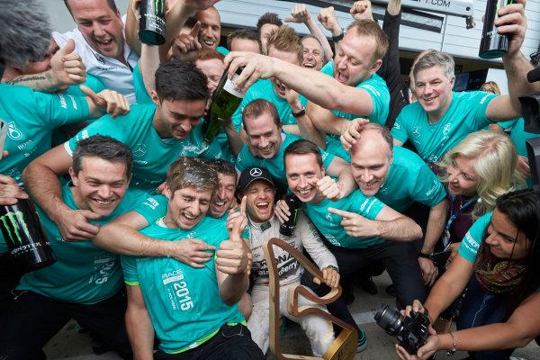 Red Bull Ring, Spielberg, Austria. Sunday 21 June 2015. Nico Rosberg, Mercedes AMG, 1st Position, celebrates with his team. World Copyright: Steve Etherington/LAT Photographic. ref: Digital Image SNE25031
