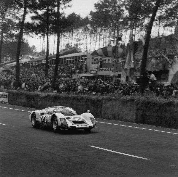 Le Mans, France. 18 - 19 June 1966.Robert Buchet/Gerhard Koch (Porsche 906 Carrera 6), retired, action. World Copyright: LAT Photographic.Ref: 34996.