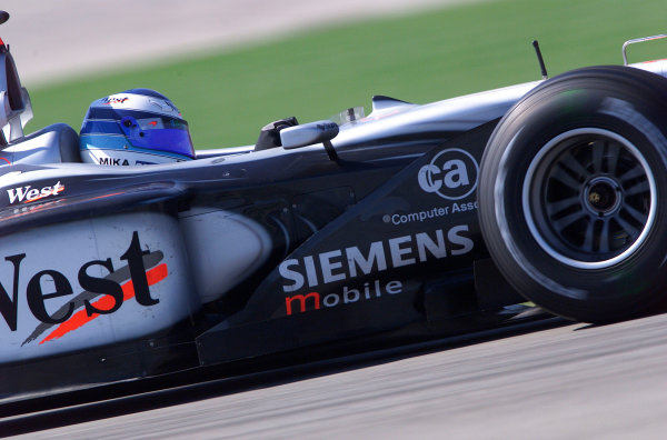 2001 American Grand Prix - Race Indianapolis, United States. 30th September 2001. Race winner Mika Hakkinen, West McLaren Mercedes MP4/16, action. World Copyright: Steve Etherington/LAT Photographic ref: 18mb Digital Image