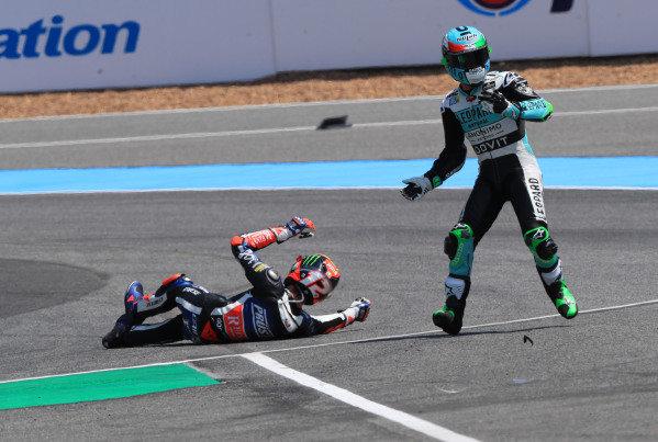 Enea Bastianini, Leopard Racing nd Marco Bezzecchi, Prustel GP crashing.