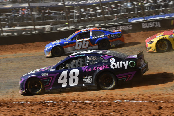 #48: Alex Bowman, Hendrick Motorsports, Chevrolet Camaro Ally, #66: Mike Marlar, Motorsports Business Management, Toyota Camry Auto Parts For Less