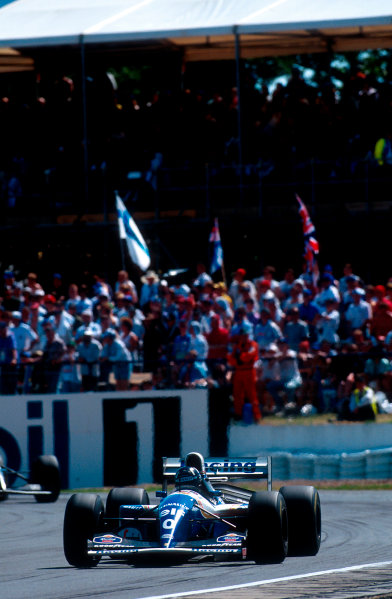 1994 British Grand Prix.Silverstone, England.8-10 July 1994.Damon Hill (Williams FW16 Renault) 1st position.Ref-94 GB 06.World Copyright - LAT Photographic