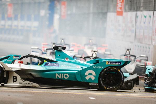 Nelson Piquet Jr. (BRA), Panasonic Jaguar Racing, Jaguar I-Type 3 goes into the back of Tom Dillmann (FRA), NIO Formula E Team, NIO Sport 004