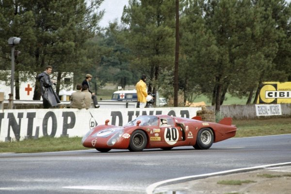 1968 Le Mans 24 hours. Le Mans, France. 28-29 September 1968. Mario Casoni/Gianpiero Biscaldi (Alfa Romeo T33/2), 6th position. World Copyright: LAT Photographic Ref: 68LM09