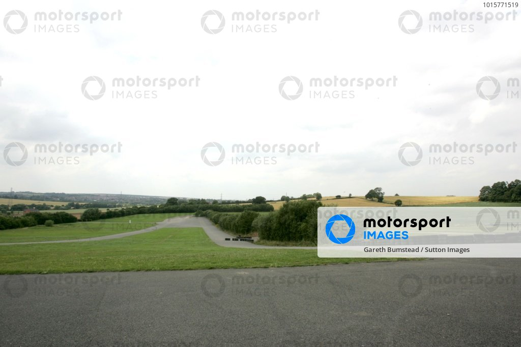 The Old Melbourne Hairpin.Donington Park Track Feature, Donington Park, England, 24 July 2008.