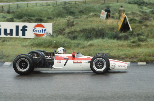 Zandvoort, Holland. 21-23 June 1968.  John Surtees (Honda RA301).  Ref: 68HOL17. World Copyright: LAT Photographic