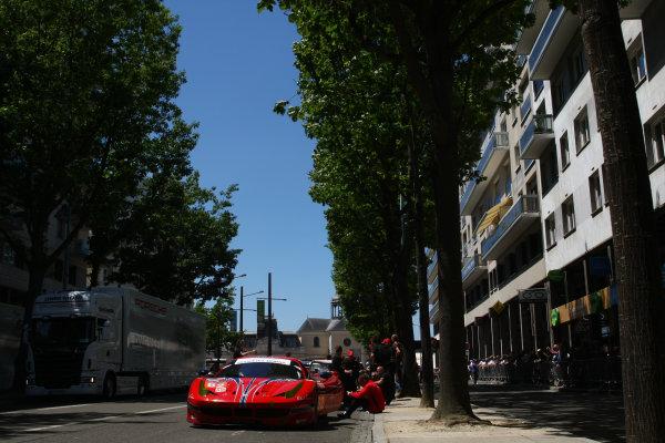2015 Le Mans 24 Hours. Circuit de la Sarthe, Le Mans, France. Monday 8 June 2015. Scuderia Corsa (Ferrari 458 Italia - GTE Am), William Sweedler, Townsend Bell, Jeff Segal.  World Copyright: Ebrey/LAT Photographic. ref: Digital Image 20150608_Le_Mans_Scrutineering_15