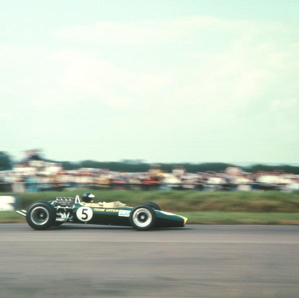 1967 British Grand Prix.Silverstone, England.13-15 July 1967.Jim Clark (Lotus 49 Ford) 1st position.Ref-3/3069.World Copyright - LAT Photographic