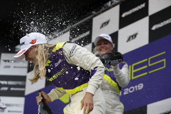 Podium: Beitske Visser (NLD), Emma Kimilainen (FIN).