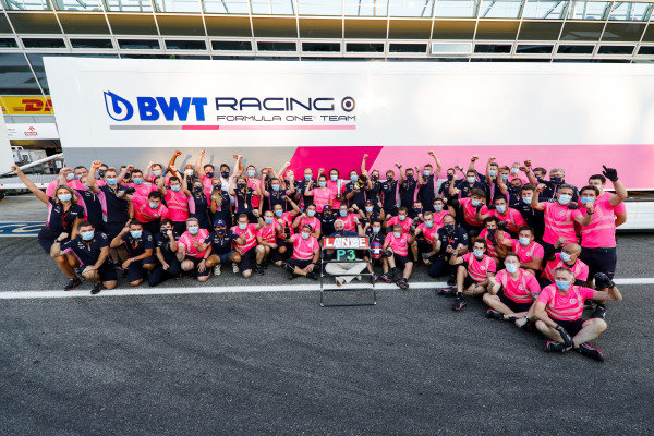 Lance Stroll, Racing Point, 3rd position, Lawrence Stroll, Owner, Racing Point, and the Racing Point team celebrate after securing a podium finish