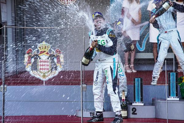 Cacá Bueno (BRA), Jaguar Brazil Racing celebrates victory on the podium