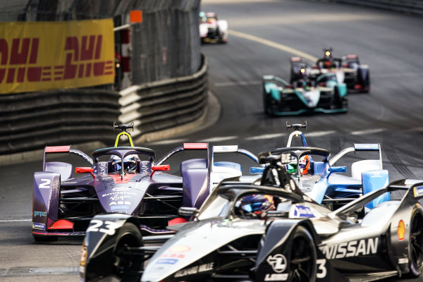 Sébastien Buemi (CHE), Nissan e.Dams, Nissan IMO1 leads Antonio Felix da Costa (PRT), BMW I Andretti Motorsports, BMW iFE.18 and Sam Bird (GBR), Envision Virgin Racing, Audi e-tron FE05