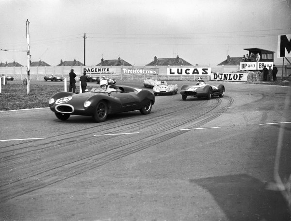 1956 Sports Car Race.Aintree, Great Britain.Roy Salvadori (Cooper) leads Archie Scott-Brown (Lister-Maserati) and Mike Hawthorn (Lotus).Ref-Motor 770/1.World Copyright - LAT Photographic
