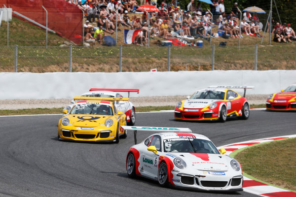 Circuit de Catalunya, Barcelona, Spain. Sunday 10 May 2015. Philipp Frommenwiler, No.6 Fach Auto Tech, leads Alexander Toril, No.33 Market Leader by Project 1. World Copyright: Steven Tee/LAT Photographic. ref: Digital Image _L4R9702