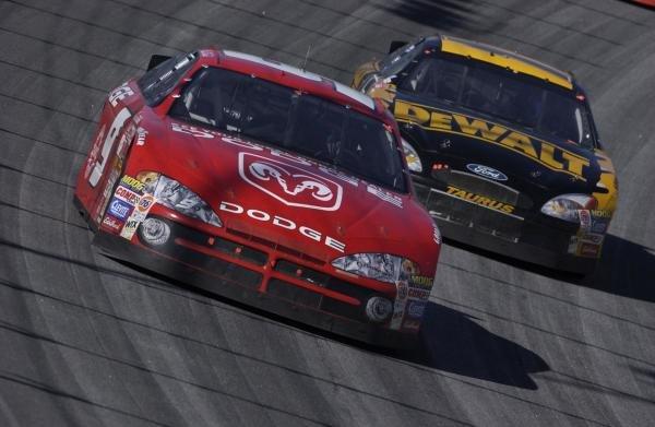 Bill Elliot (USA) Dodge IntrepidMBNA America 500, Atlanta Motor Speedway, USA. Qualifying - 09 March 2002.DIGITAL IMAGE