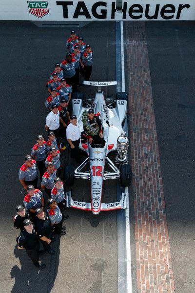 Winner, Will Power, Team Penske Chevrolet, and Team, Roger Penske, Tim Cindric