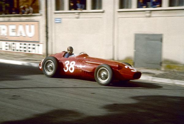 1957 Monaco Grand Prix.Monte Carlo, Monaco.16-19 May 1957.Juan Manuel Fangio (Maserati 250F) during practice.Ref-57 MON 29.World Copyright - LAT Photographic