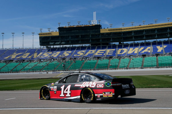 Monster Energy NASCAR Cup Series Hollywood Casino 400 Kansas Speedway, Kansas City, KS USA Friday 20 October 2017 Clint Bowyer, Stewart-Haas Racing, Haas Automation Ford Fusion World Copyright: Matthew T. Thacker LAT Images